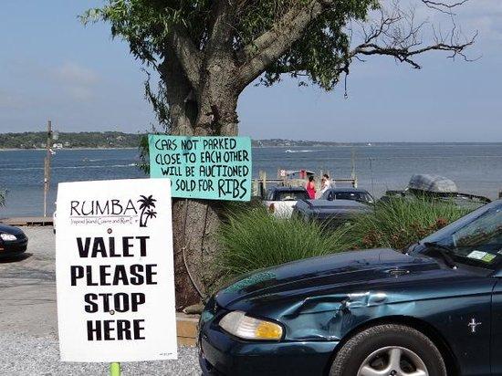 Rumba : Parking entrance