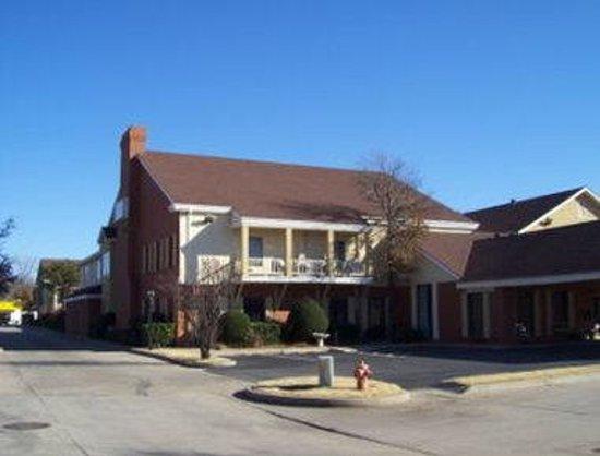 Photo of Travelodge - Oklahoma City North