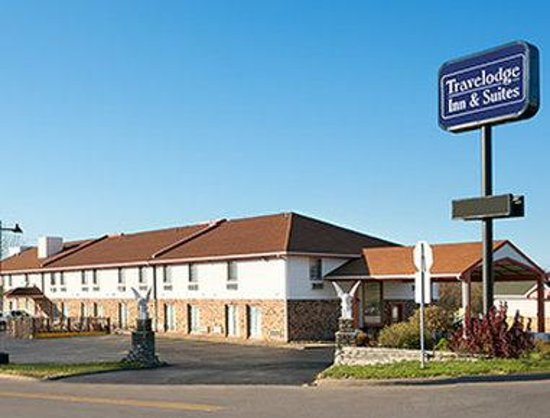 Travelodge Inn and Suites Muscatine: Welcome To The Travelodge Muscatine