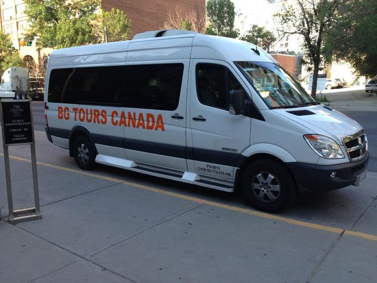 Nice Van Pick Up At The Grand Hotel Toronto 2