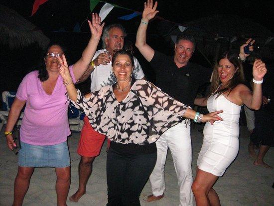 Hotel Bella Costa: The beach party was a blast