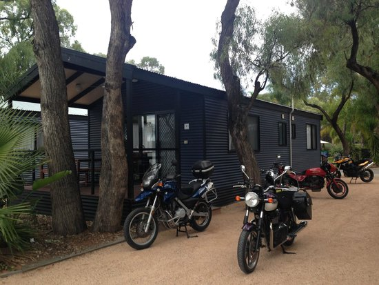 BIG4 Renmark Riverfront Holiday Park: our room by the river