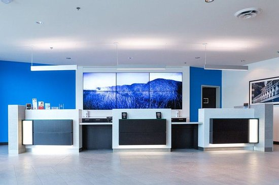 The Grand Winnipeg Airport Hotel: Reception