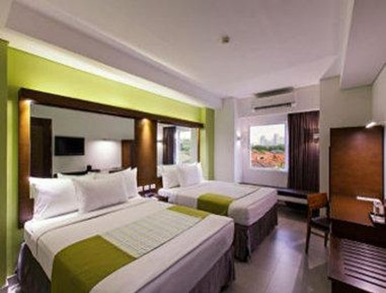Microtel Inn & Suites by Wyndham Acropolis : Two Queen Bed Room