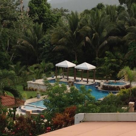 Sleeping Giant Lodge: The stunning pool.