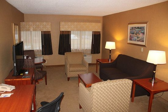 ‪‪BEST WESTERN PLUS North Haven Hotel‬: Suite Guest Room‬