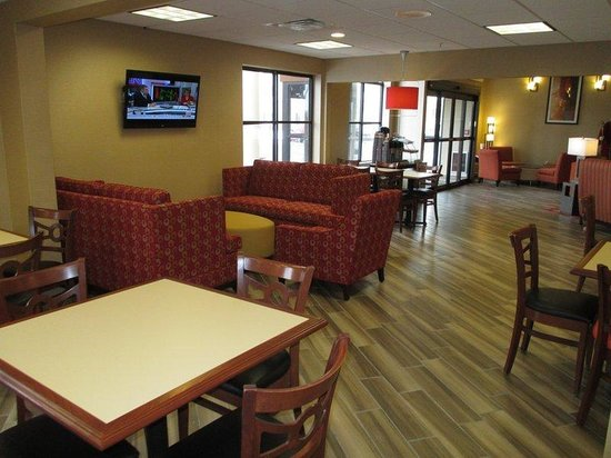 BEST WESTERN PLUS Peoria: Breakfast Area Seating
