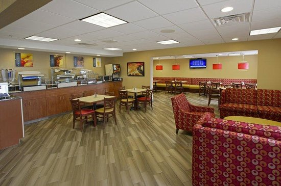 BEST WESTERN PLUS Peoria: Breakfast Area