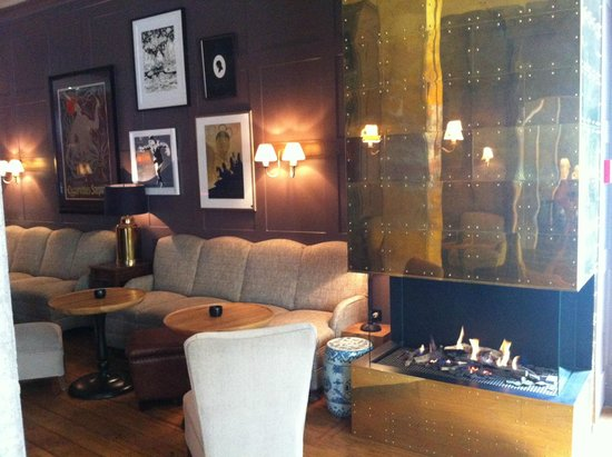 Monbijou Hotel: Cosy lobby lounge with fireplace
