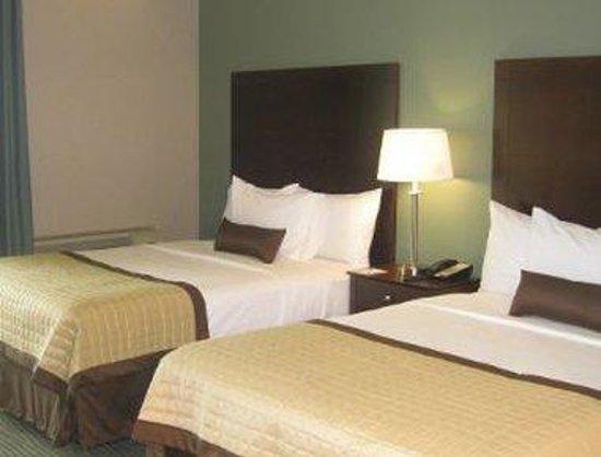 Baymont Inn & Suites Bellevue: Two Queen Bed Room