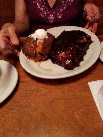Texas Roadhouse : Ribs and Sweet Potato