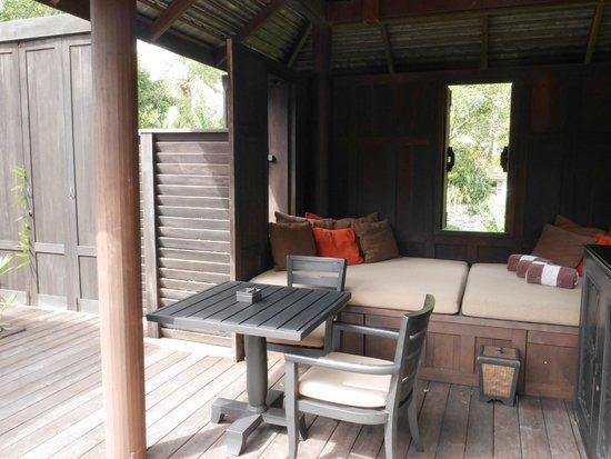 Anantara Mai Khao Phuket Villas: living area