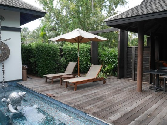 Anantara Mai Khao Phuket Villas: Rest area nearby private pool