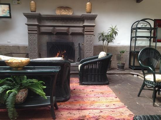 Tierra Viva Cusco Plaza: desayuno en el patio