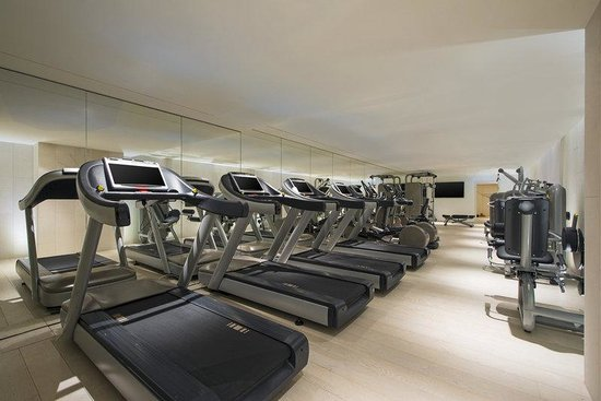 W Verbier : FIT Fitness Center