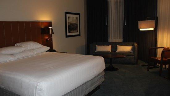 Hyatt Regency Minneapolis: King Suite_separate bedroom
