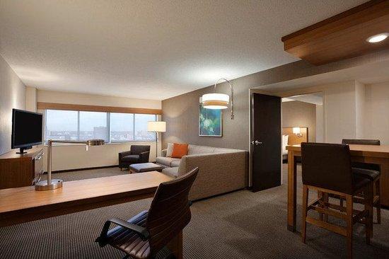 Hyatt Place Minneapolis/Downtown: MSPZD_P018 King Suite