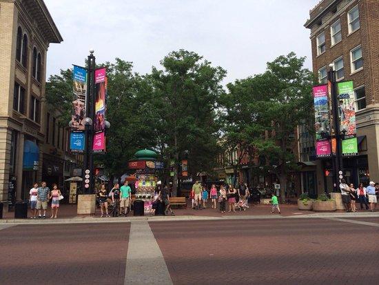 Pearl Street Mall: Fun venue