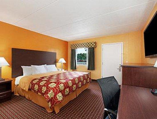 Days Inn Queensbury / Lake George: Standard King Bed Room