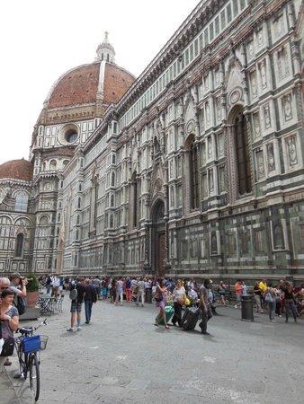 Hotel Romagna: Close to Piazza del Duomo.