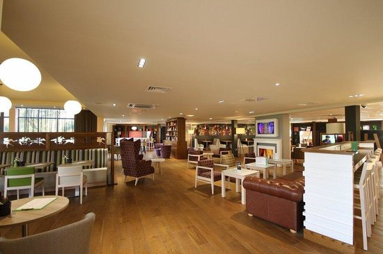 Holiday Inn Huntingdon Racecourse: Bar and Lounge