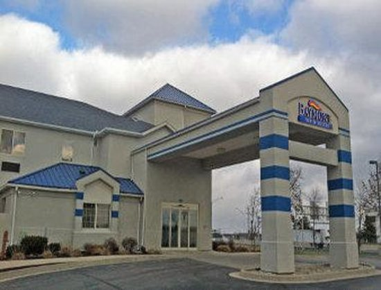 Baymont Inn & Suites Fort Wayne: Welcome to the Baymont Inn And Suites Fort Wayne