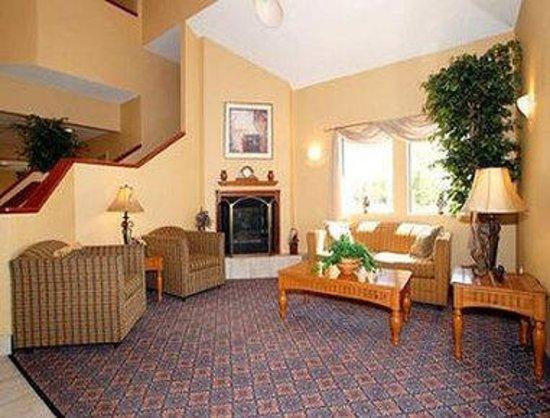 Baymont Inn & Suites Fort Wayne: Lobby
