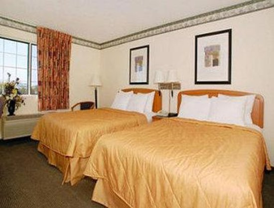 Baymont Inn & Suites Fort Wayne: 2 Bed Guest Room