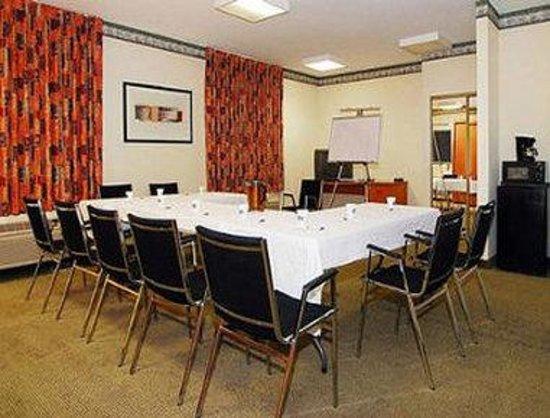 Baymont Inn & Suites Fort Wayne: Meeting Room