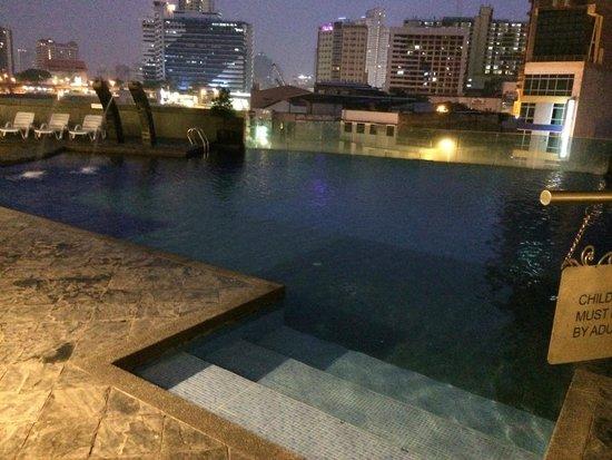 Furama Bukit Bintang: Pool