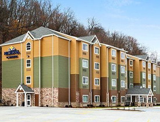 Welcome to the Microtel Inn and Suites by Wyndham Steubenville