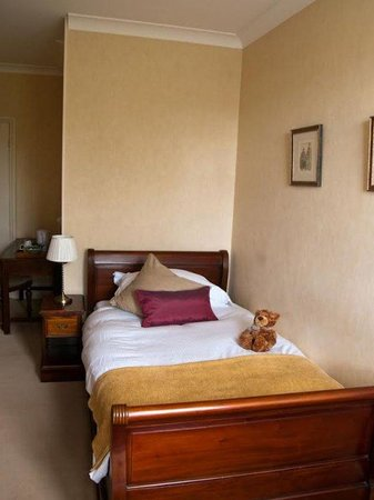 Clarence Court Hotel: Single Room Image
