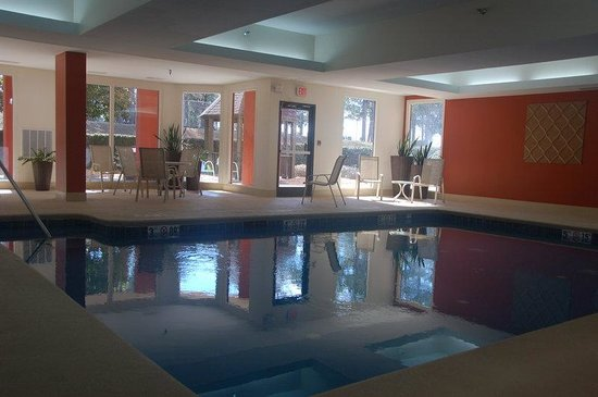 هوليداي إن إكسبرس تيفتون: Indoor Heated Swimming Pool - Available Year Round