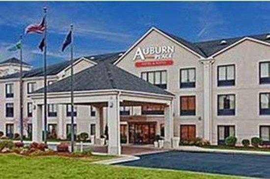 Auburn Place Hotels and Suites: Exterior