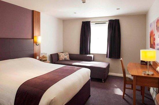 Premier Inn London Croydon Town Centre Hotel: Room