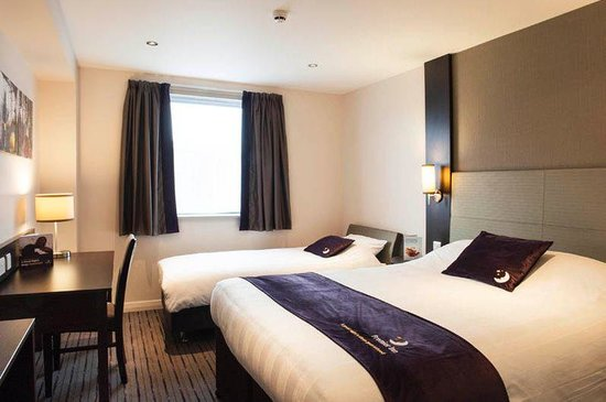 Premier Inn Fleet Hotel: Room