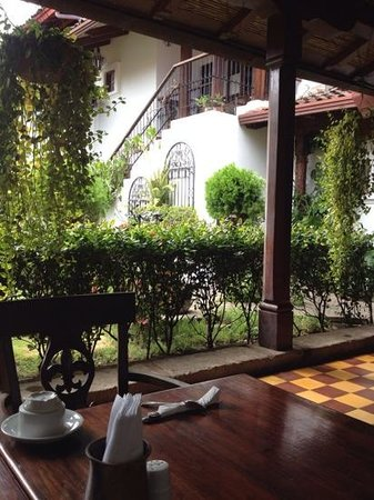 La Gran Francia Hotel y Restaurante: restaurante donde se sirve el desayuno, muy delicoso y amplio el menu.