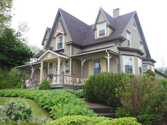Heritage Home Bed and Breakfast: Heritage Home Bed & Breakfast