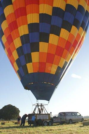 Portland Rose Hot Air Balloons: Parking the ballon