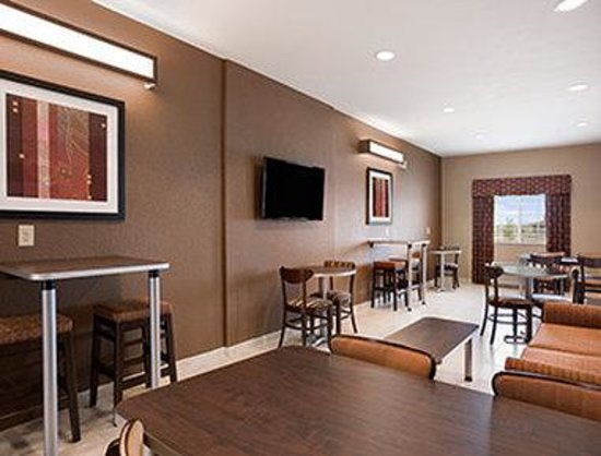 Microtel Inn & Suites by Wyndham Cotulla: Lobby