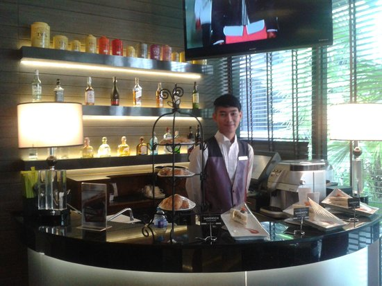 The Continent Hotel Bangkok by Compass Hospitality : Bar