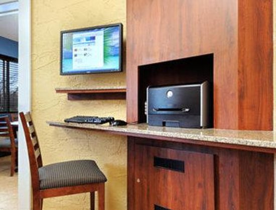Motel 6 Naperville: Business Center