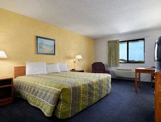 Motel 6 Elk Grove Village - O'Hare: Standard King Room