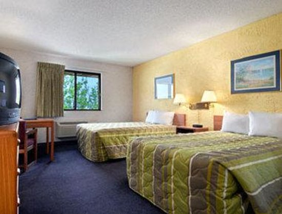 Motel 6 Elk Grove Village - O'Hare: Standard 2 Double Bed Room