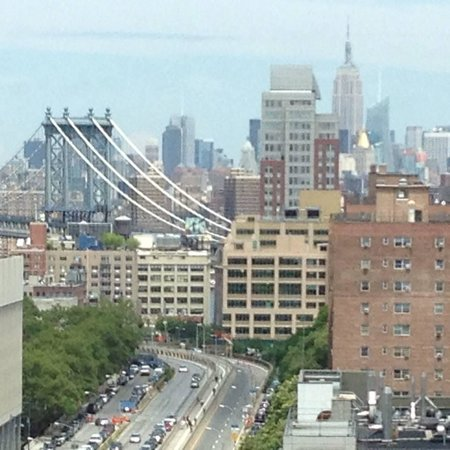 New York Marriott at the Brooklyn Bridge: The view from our room