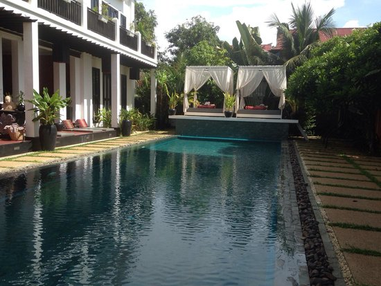 Mulberry Boutique Hotel : Swimming pool with rooms overlooking