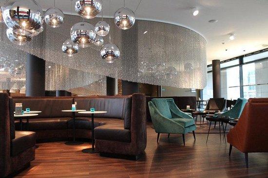 Motel One Frankfurt-Messe: Lobby