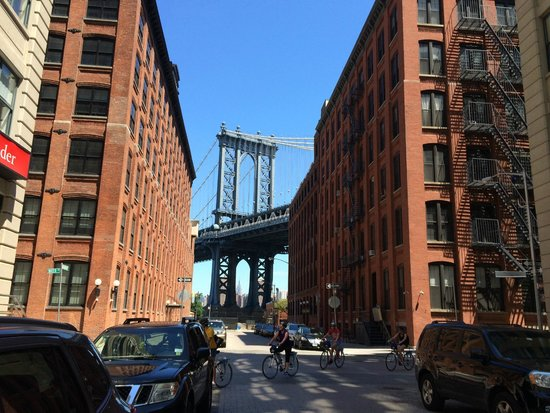 Manhattan Bridge: DUMBO