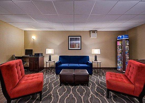 Comfort Inn Lebanon Valley/Ft. Indiantown Gap: Lobby