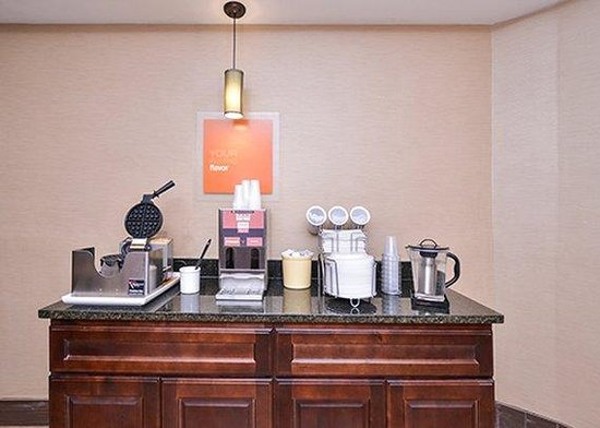 Comfort Inn Lebanon Valley/Ft. Indiantown Gap: Breakfast